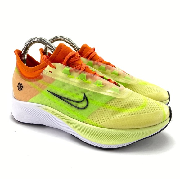 Nike Women's Zoom Fly 3 Rise Running Shoes NWT